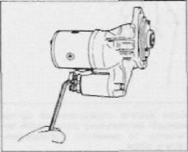 подсоединяем провод обмотки статора и затягиваем гайку